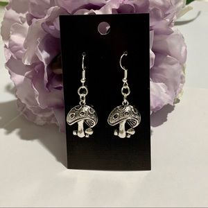 Cute Mushroom Fashion Earrings - Dimensional